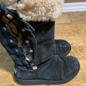 UGG dark navy sherpa lace up boots